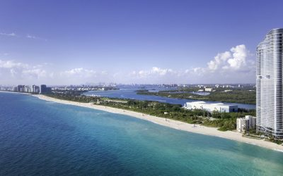 HERE'S THE FIRST PHOTO OF THE NEWLY COMPLETED RITZ CARLTON SUNNY ISLES, WHICH FEATURES 6,000 PANES OF GLASS
